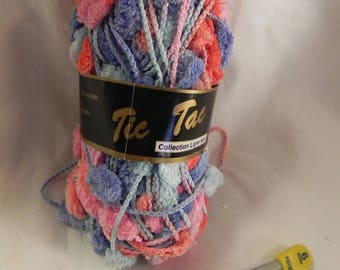 "ball of yarn for scarves with tassels ""ticking"" multicolored pastel blue"