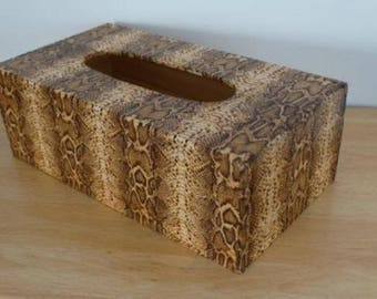 Tissue - box theme crocodile skin