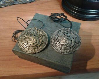 Emblem necklace targaryen. Game of thrones (Throne)