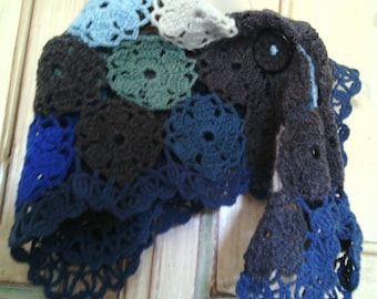 Wool shawl Poncho for crochet girl with daisies-granny square motif-coloured tiles-girl wraps-Baktus