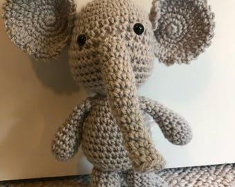 Grey the elephant