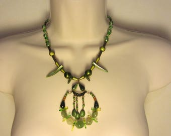 Green and bronze necklace
