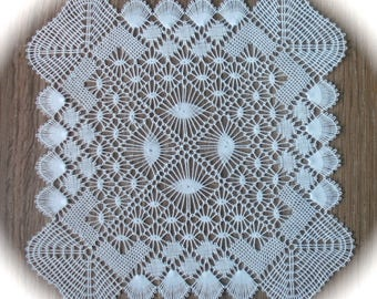Square doily made Bruges hand 2/3 bobbin lace