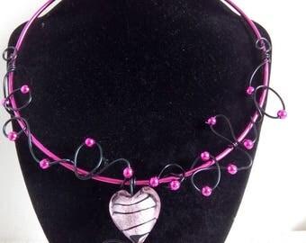 alumnium fuschia necklace
