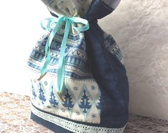 Drawstring lingerie bag -