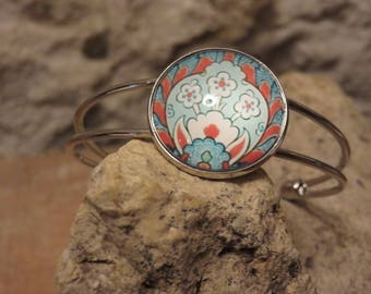 Out with 8 cabochon bracelet