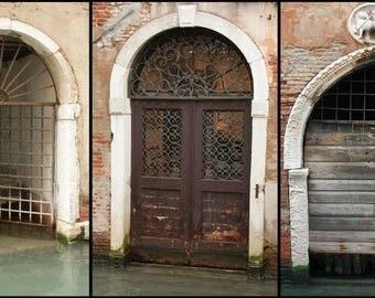 Fine art photography - Venice door: 75 x 40 cm