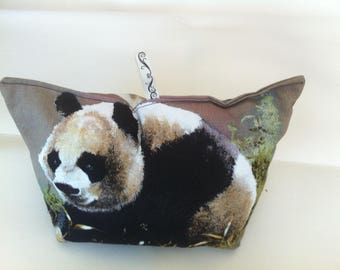 Small Panda blocks(surrounds) door motive on the first side and the reverse.