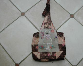 Bag shoulder strap realized in completely embroidered(exaggerated) patchwork hand