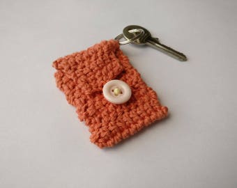 Mini crochet purse keyring in vintage pink