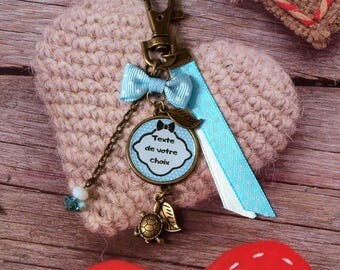 Keychain custom turtle personalized with text or photo of your choice. Blue