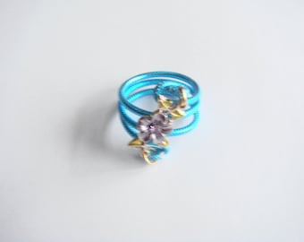 ring made of metal with aluminium wire