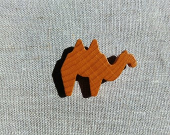 Brooch camel recycling peg board game