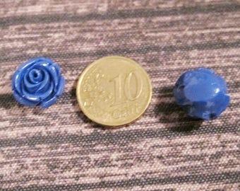 Glass flower beads, 14 mm.