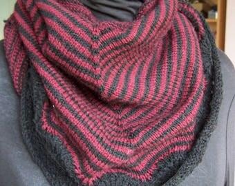 Kleine gestreepte sjaal nek