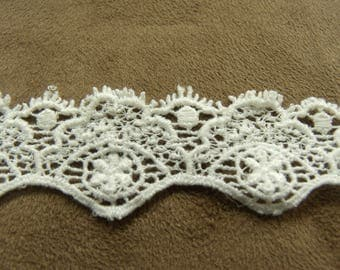 """Broderie anglaise"" - 2.5 cm - white"