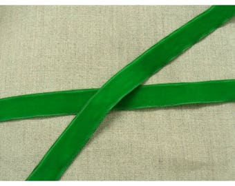 Velvet-17 mm - Green Ribbon