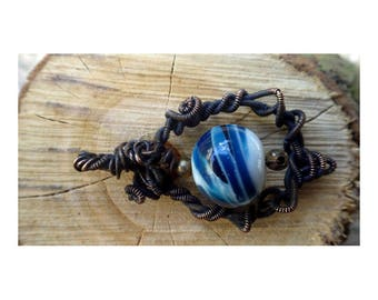 Wire woven pendant with blue-white summer sky Pearl