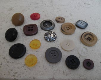 SET of 18 VINTAGE buttons between 27 mm and 15 mm / BUTTONS / buttons