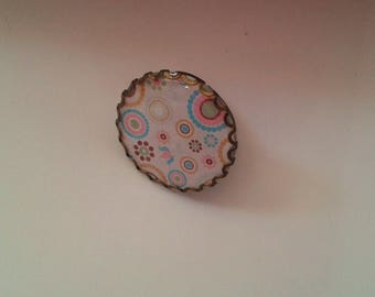 ring - cabochon - fancy motif circles and flowers