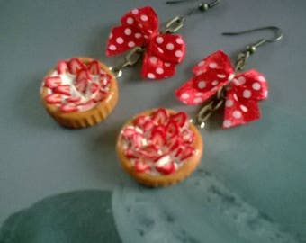 Earrings strawberries tart and decorative bow