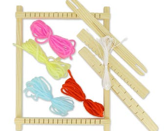 Loom made of wood, ideal to learn the ancient technique of weaving using your scraps of wool