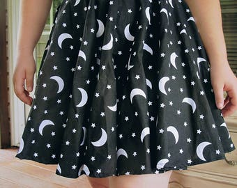Custom Size moon and stars circle skirt with pockets