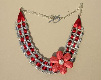 Nice cans of soda tab necklace enhances d a pretty flower