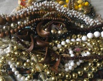 Z 10, Mixed vintage to now beaded necklace jewelry lot. Wearable.