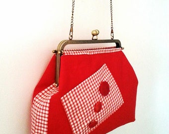 Vouge gingham shoulder bag - pocket and buttons. Retro