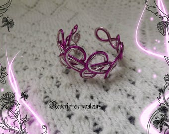 "Engraved ""Cotton candy"" pink aluminum Wire Bracelet"