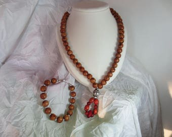Woman fashion Julie necklace and bracelet set
