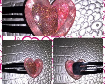 Black Bobby pin with clear resin heart