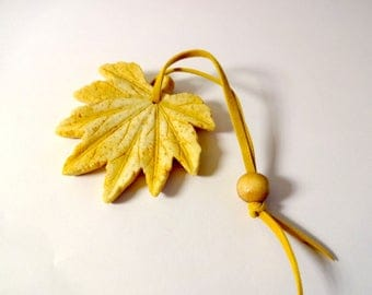 Leaf hanging - embellishments - nature (C)