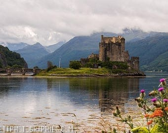 Photograph on aluminum of a castle in the Highlands of Scotland 20x30cm