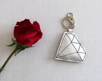 Diamond-shaped pvc keyrings completely sewn by hand