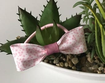 Elastic with a pretty pink bow