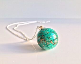 Big Pearl spun by Rosa Rueda Lampwork Murano glass