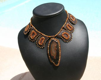 Agate and leather necklace