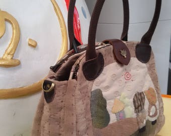 Women's Shoulder Crossbody Handbags.Handmade Quilt Applique.Made from Japanese Fabric.