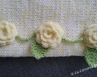 Buttercup: flowered Snood wool