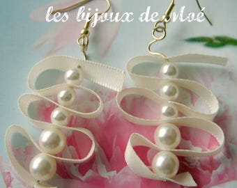 Earrings pearls renaissance ivory, ivory Ribbon, gold frame