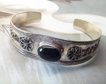 Vintage Black Onyx Sterling Silver Cuff Bracelet/Handmade/Free Shipping US/Christmas gift/Birthday present/Valentine/Anniversary gift
