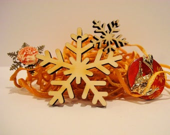 2 snowflakes 1813 with or without hole 6 mm wooden clip