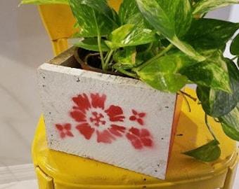Red Flower Planter wood box, salvage wood planter box, flower box wedding center piece, re-purpose wood box, refurbish wood box,red wood box