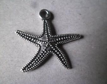 x 1 pendant/charm Starfish patterned silver 25 x 25 mm
