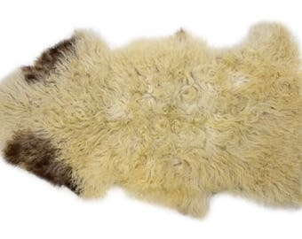 "Humanely Sourced Genuine Supple Long Wool Sheepskin Rug, Handmade Soft Natural Sheepskin Pelt, Superior Quality,Off-White Brown, 2'5"" x 4'2"""