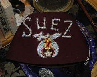 Jewelled vintage Shriners Suez Masonic hat.