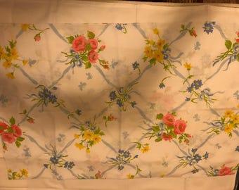 Vintage 1970s   PEQUOT Pillowcase    Floral   New