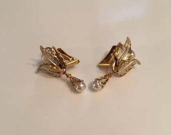 Gold tone vintage damascene clip on earrings
